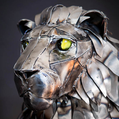 Andrew chase mechanical metal lion closeup three quarters 2