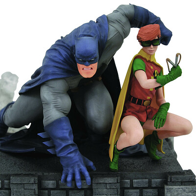 Alterton bizarre dc gallery dark knight returns batman carrie dlx pvc fig 2