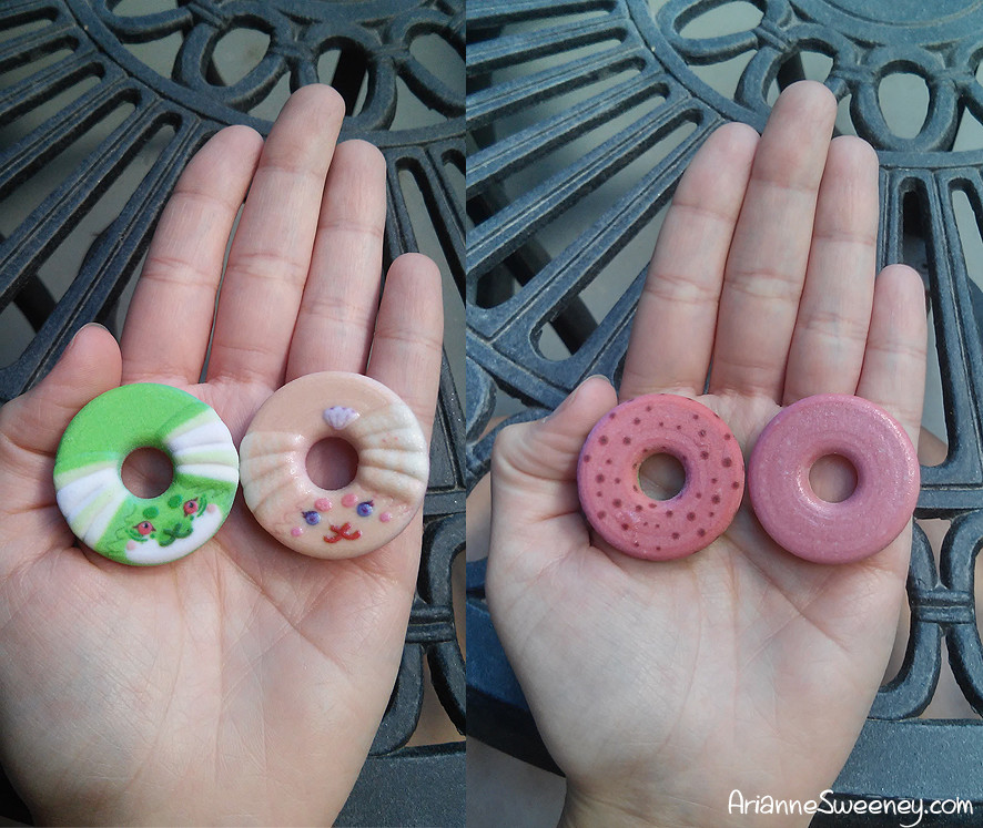 First testing donut images - one in coated full color sandstone and one in plain sandstone using shapeways.