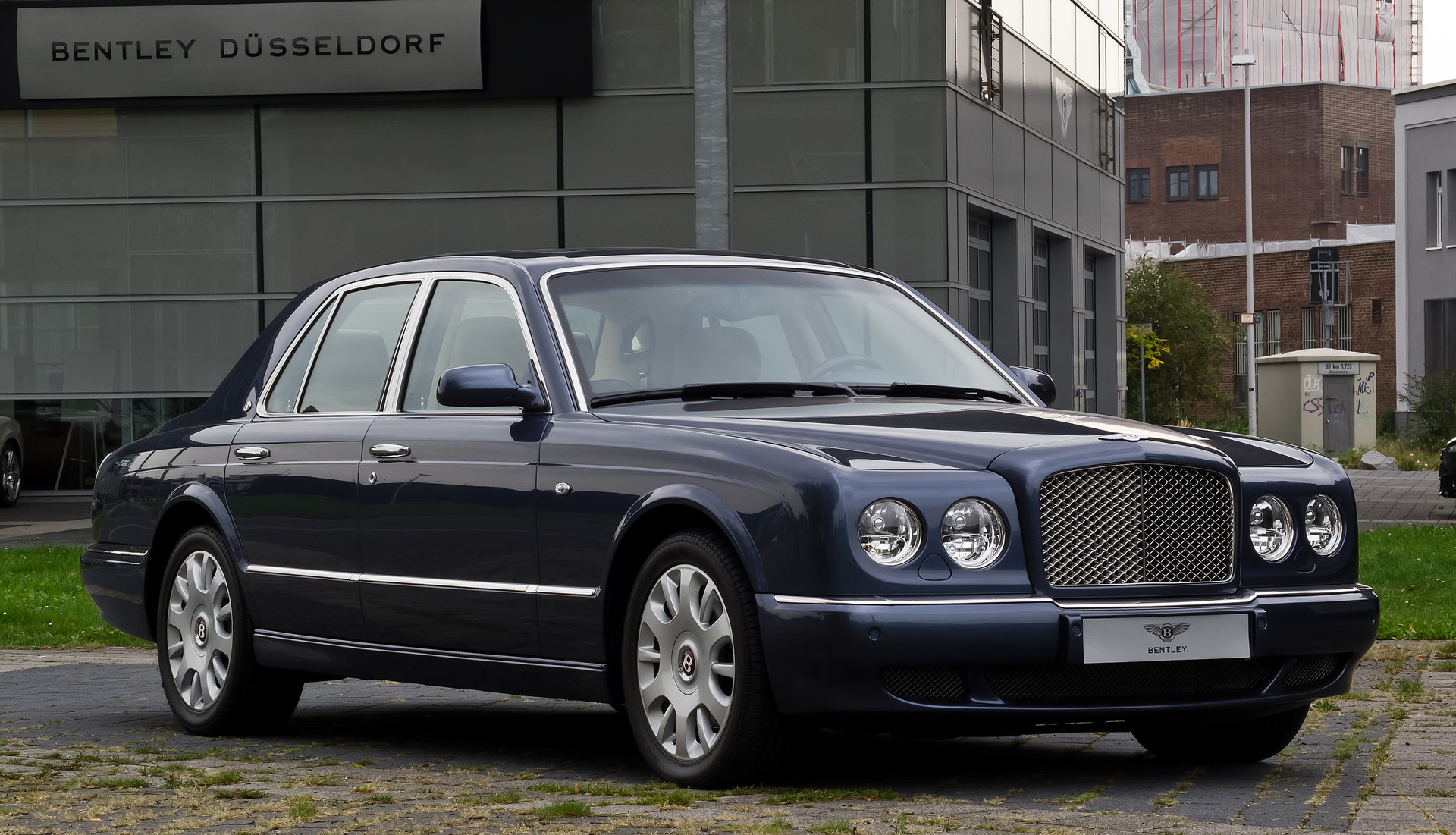 Yoshimitszu 1439391491 bentley arnage 12