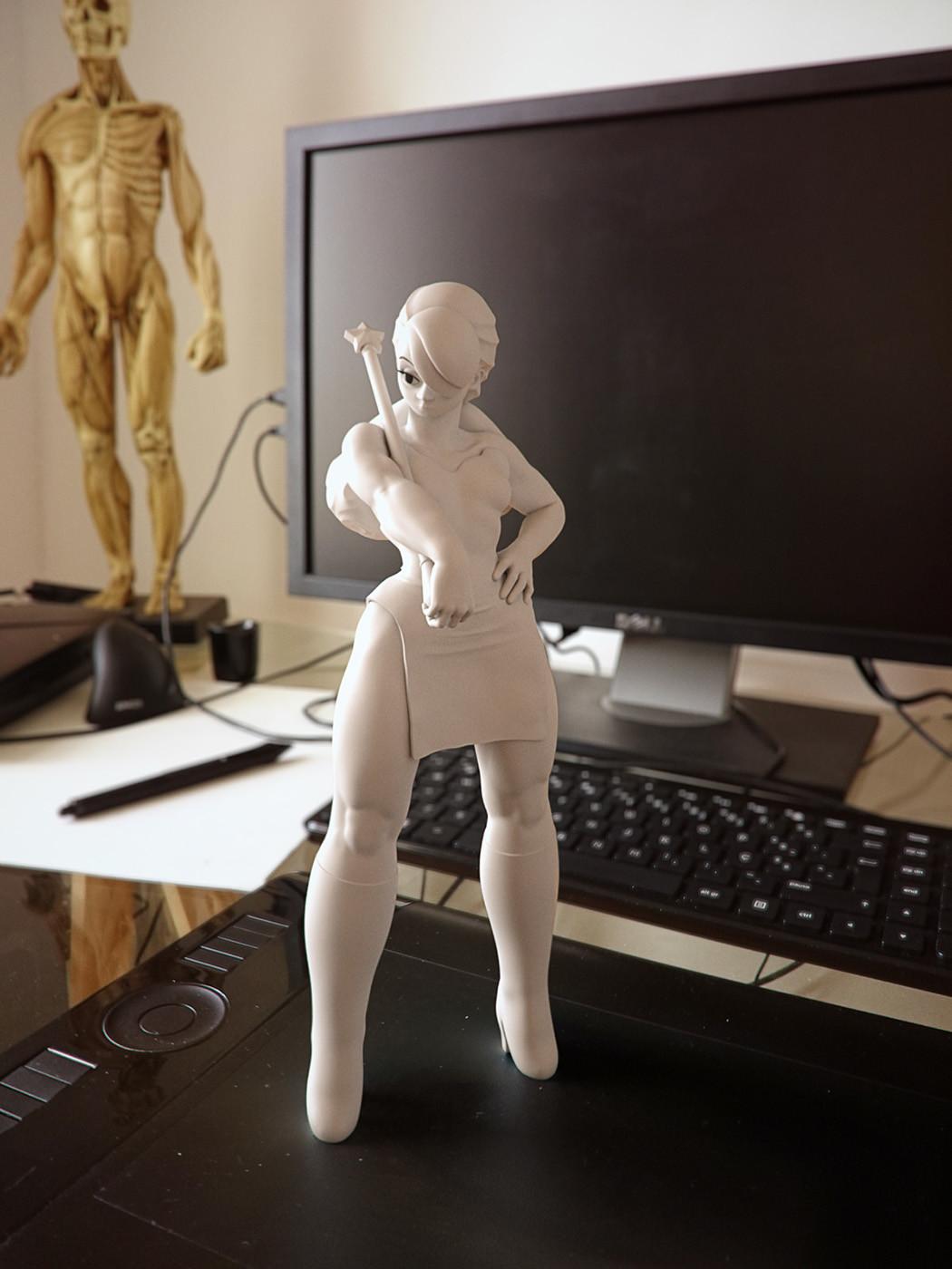 Cgmonkeyking stronggirl desk fr02 pn01 pp small