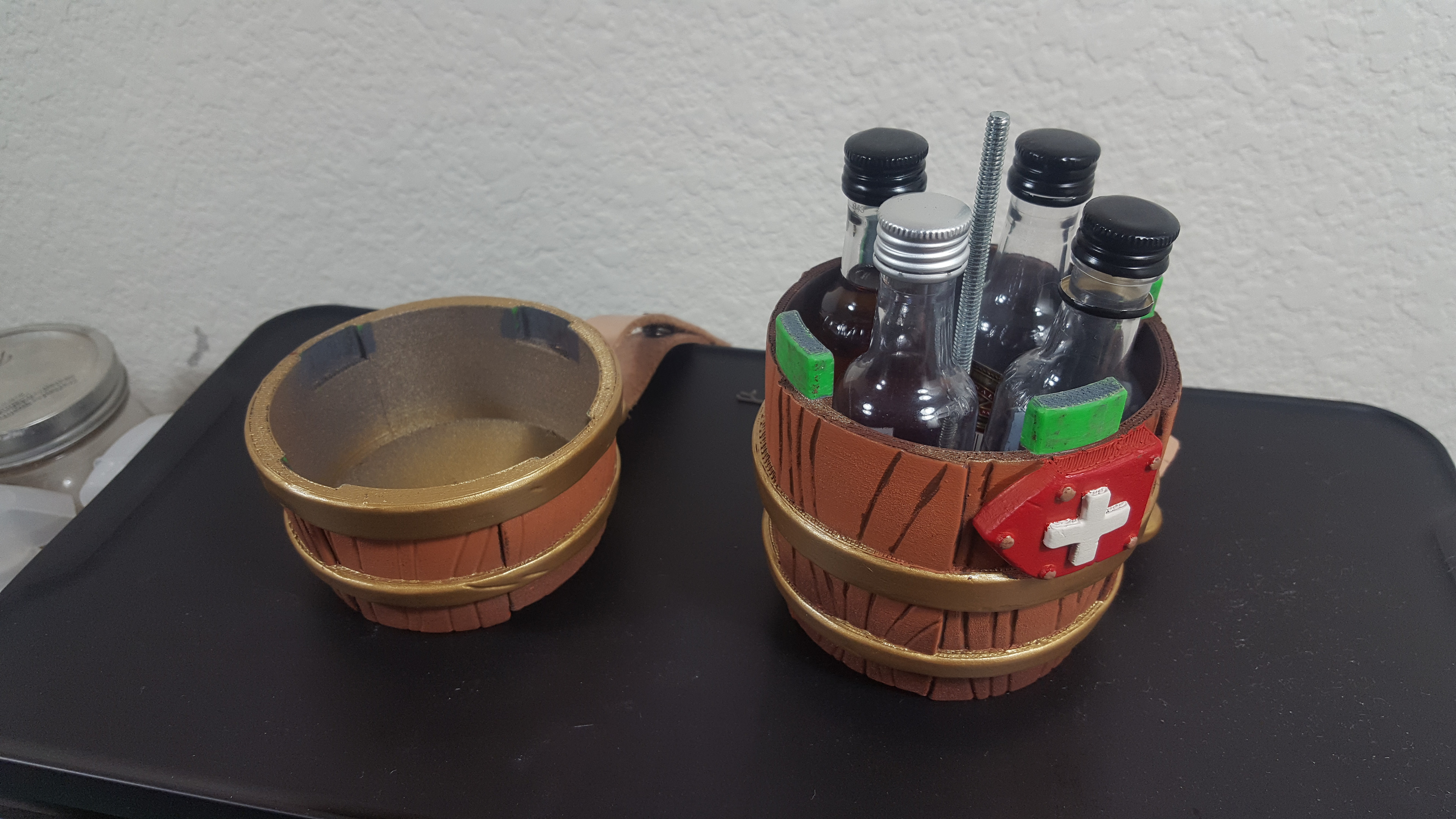 Fits 4 whiskey shooters inside!