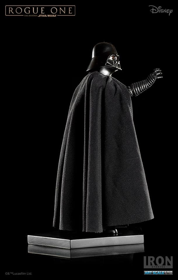 Darth Vader Statue
