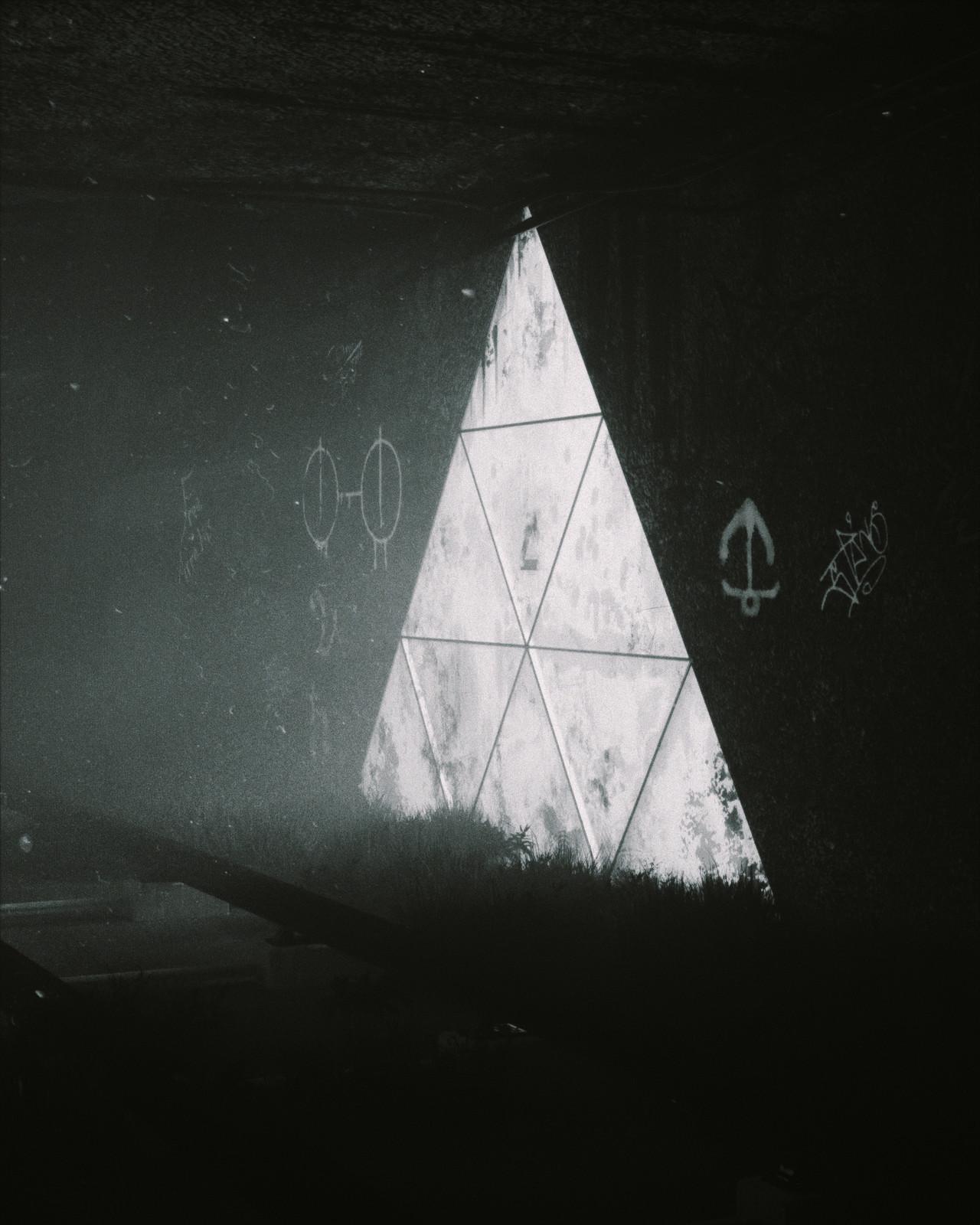 Triangular (NOIR)