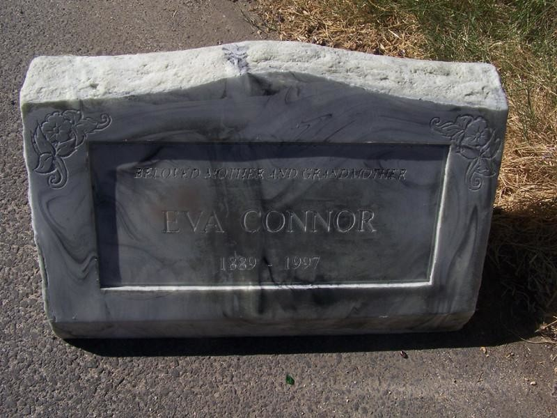 Charles wills eva connor angle marker marble sized 15 13870 1024x1024