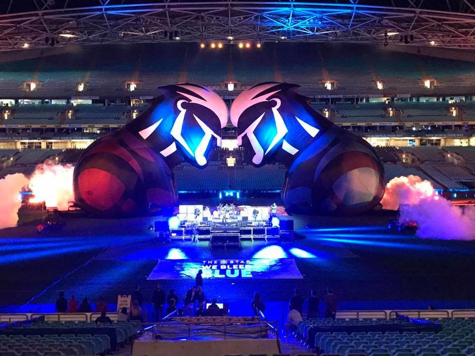 Rugby State of Origin 2016 inflatable figures by Airena