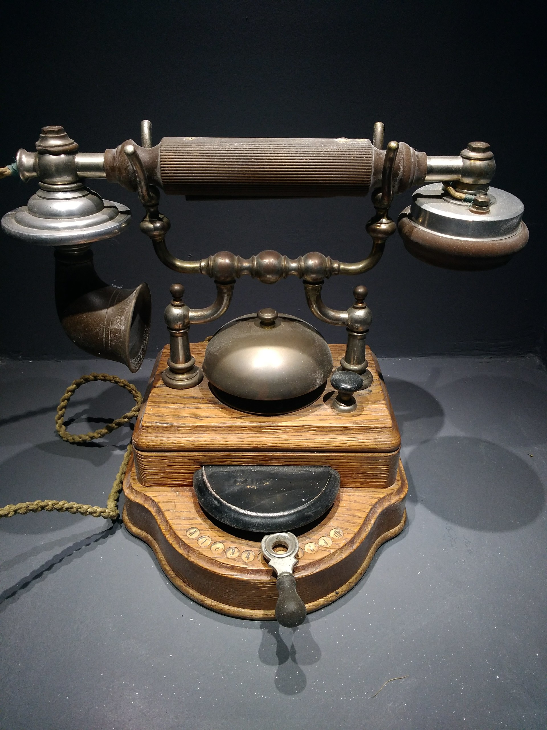 Gil RIDEL - Old Telephone of year 1840