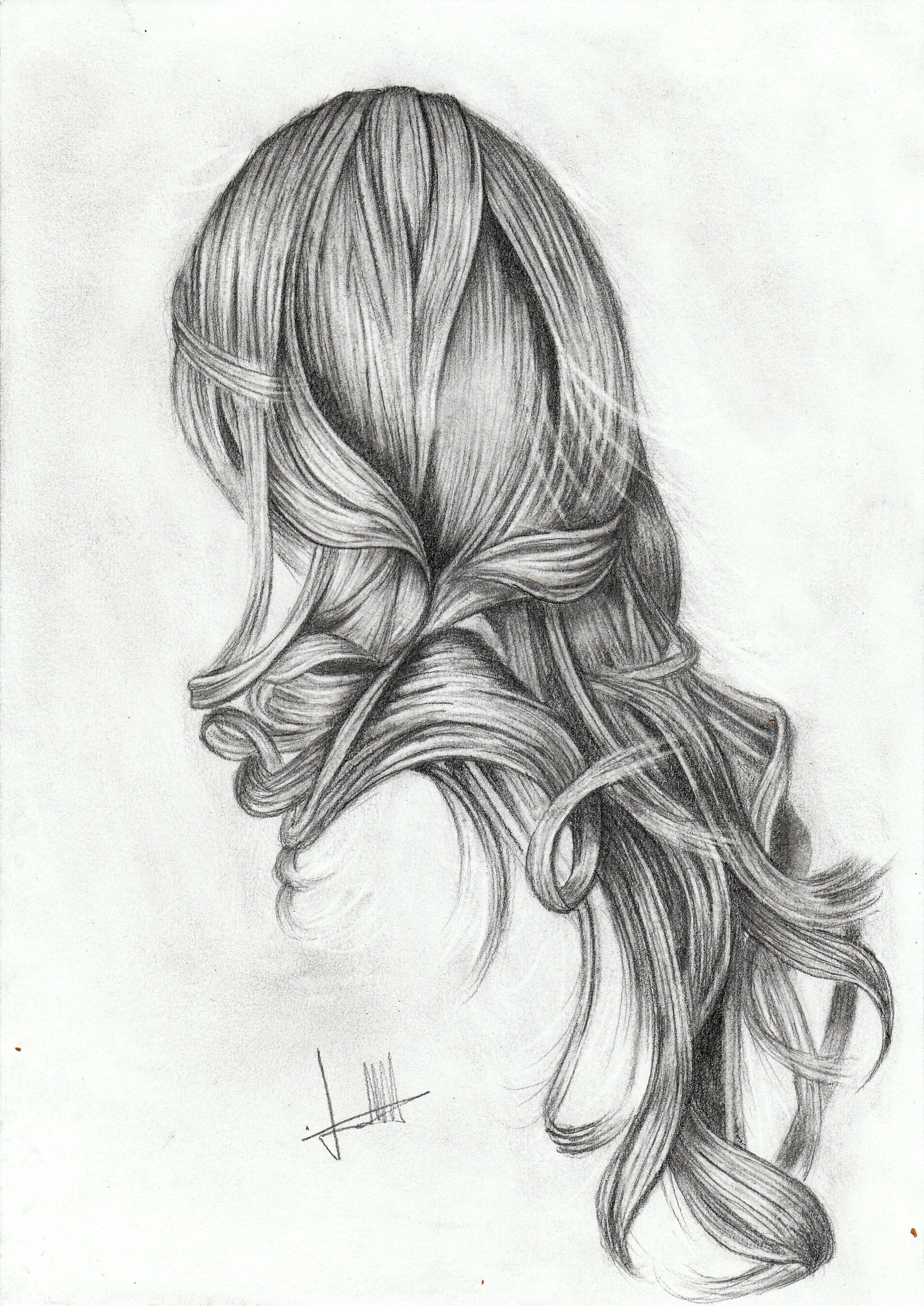Sketch hair realised with charcoal pencil
