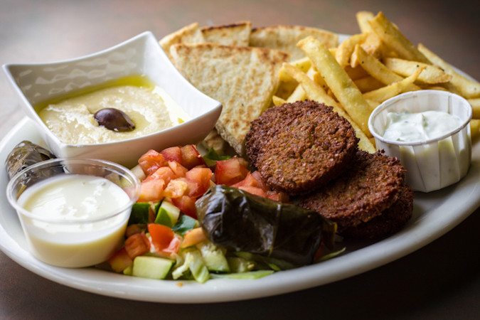 Priscilla firstenberg bananasgrill falafelplate
