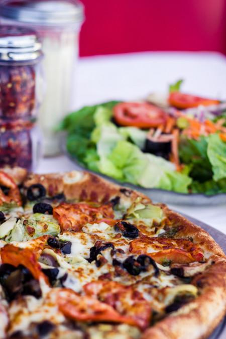 Priscilla firstenberg stacias gourmet pizza pasta gourmet veggie pizza with garden salx