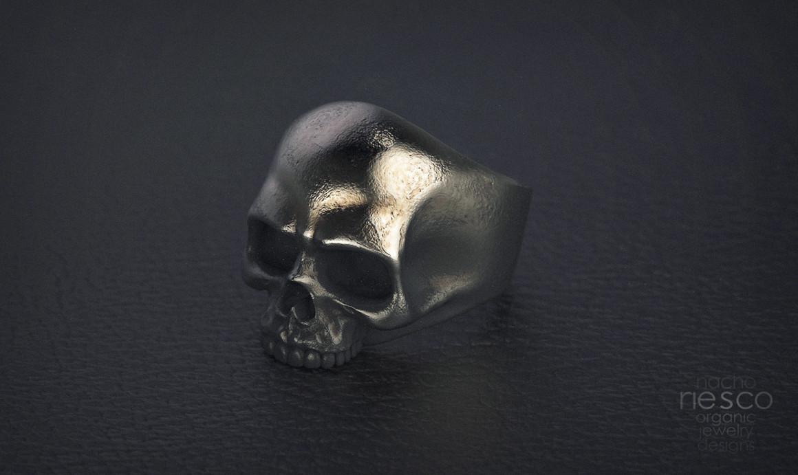 Nacho riesco gostanza rusty skull ring