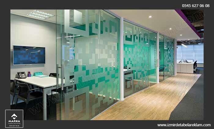 Izmir tabela reklam hizmetleri izmir cam kaplama kumlu cam giydirme ofis 3