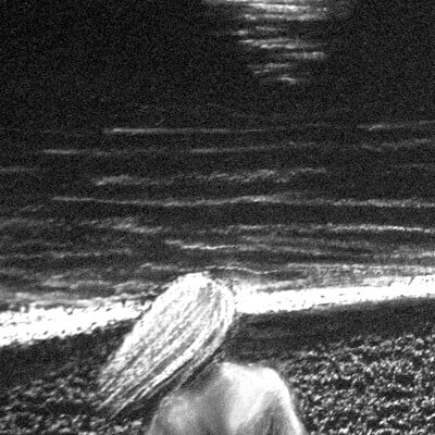 Rohvannyn shaw beach woman