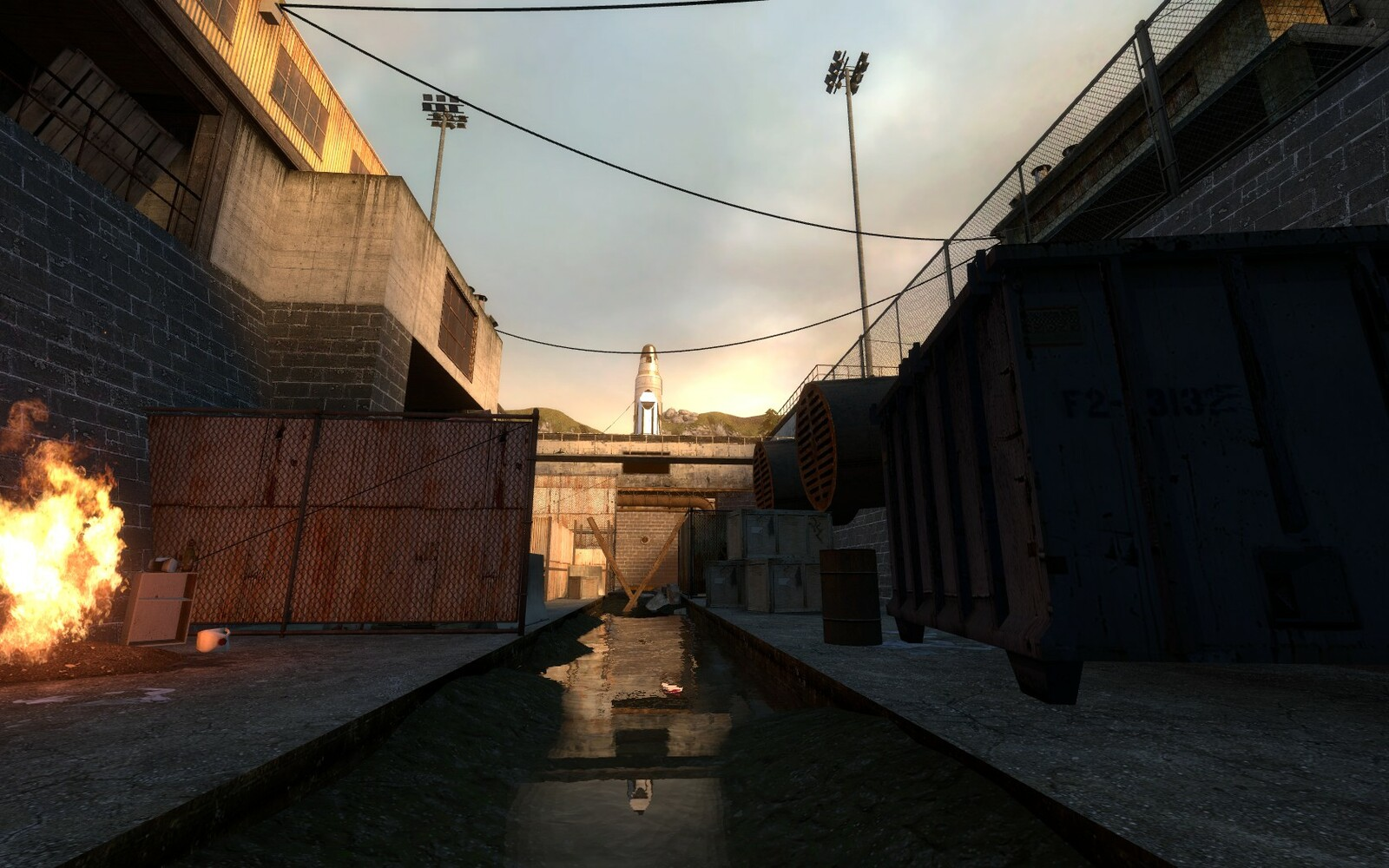 At the start of the final level, the player can immediately see the rocket and shuttle. Both of these act as a focal point through out the map so the player can orientate themselves by looking at it.