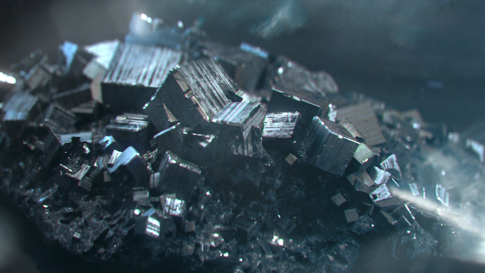 Fully procedural mineral 01 : Iron Pyrite  Houdini modelling / Arnold renders