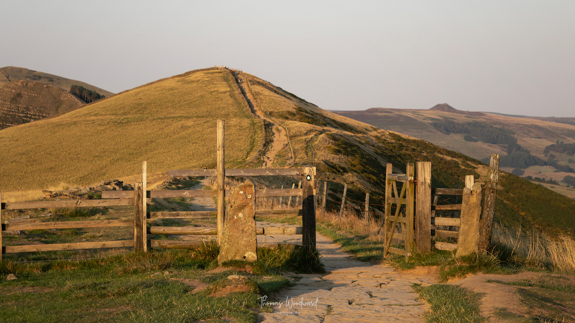 Thomas woodward mam tor evening 10