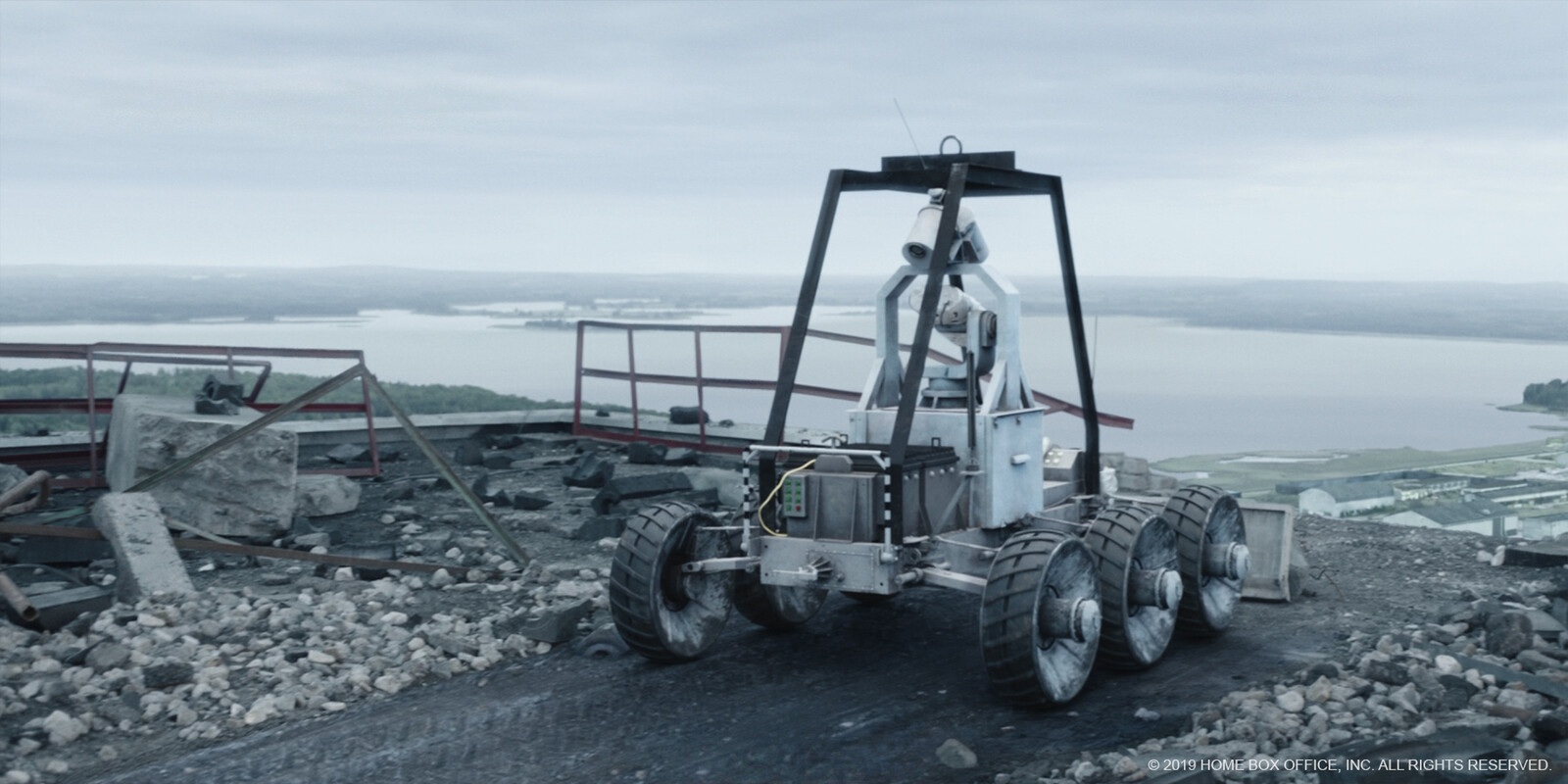 'Lunar' rover - secondary modelling, texturing and lookdev, shot lighting