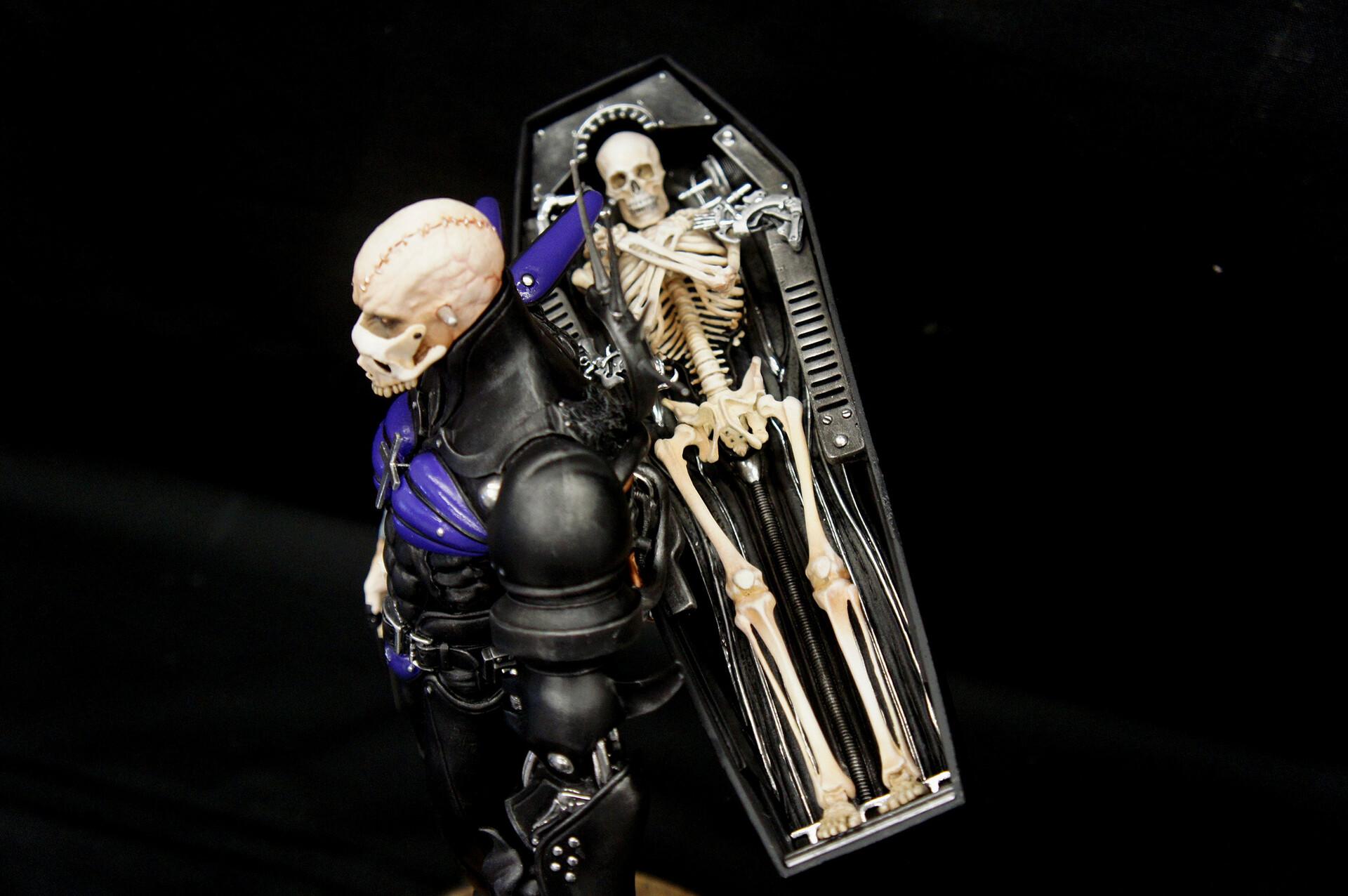 Yasushi Nirasawa: Punishment Sodo Coffin Art Statue