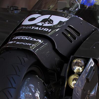 Ying te lien black bike 01
