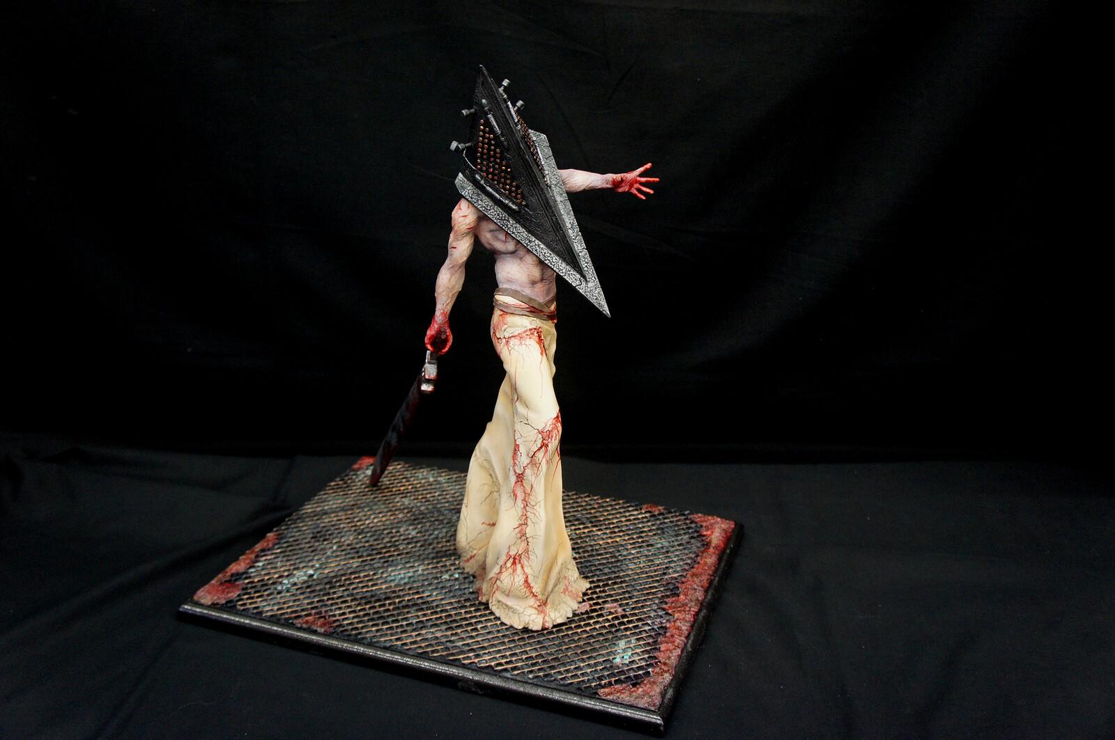 Hellpainter: Silent Hill Bogeyman Art Statue DX https://www.solidart.club/