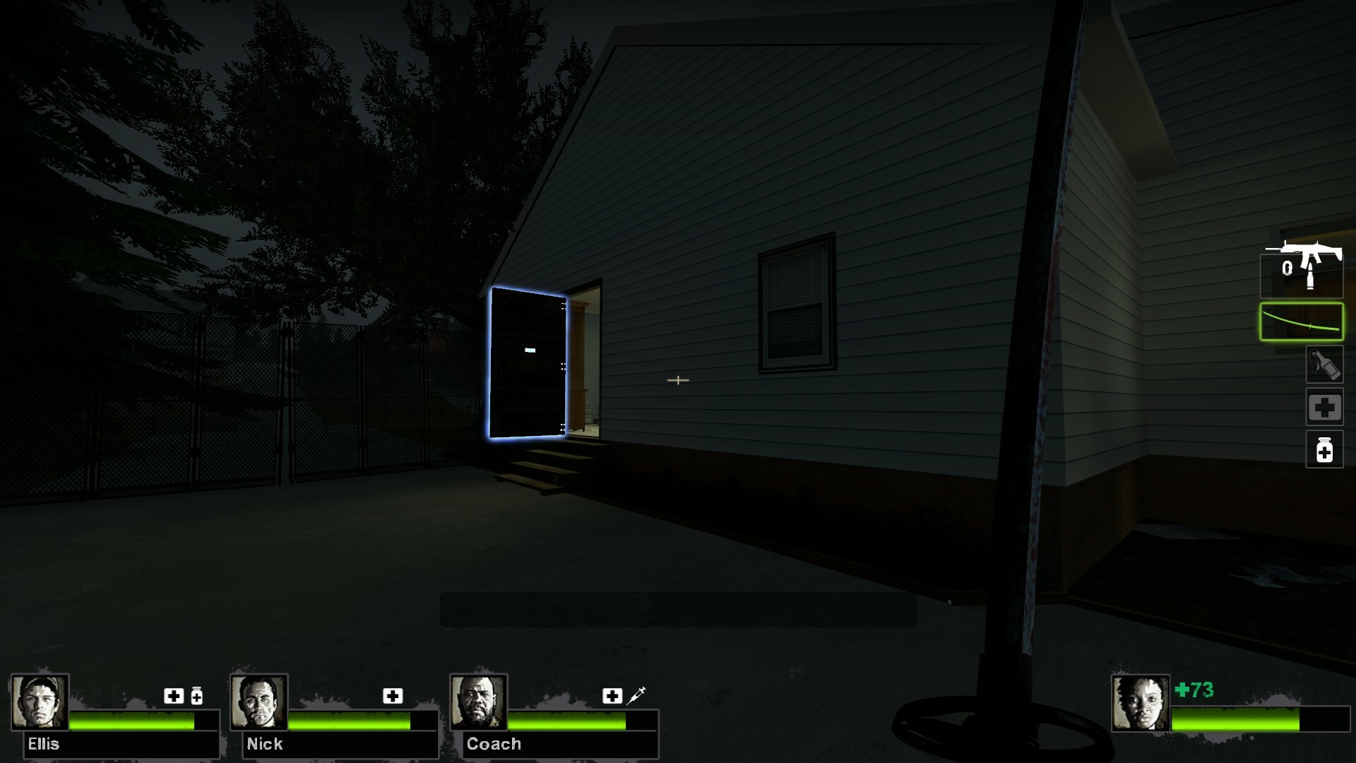 A large highlighted door helps direct players to the safe house after following the light.