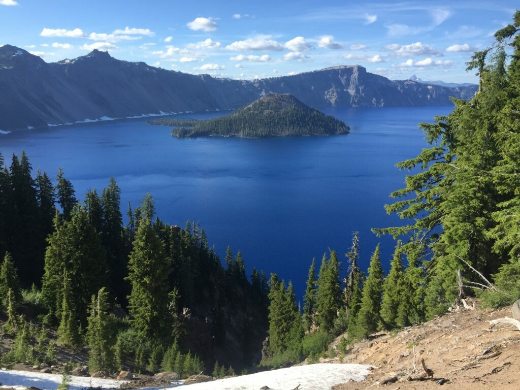 Crater Lake reference photo. http://www.runladylike.com/wp-content/uploads/2016/07/IMG_2247-1024x768.jpg
