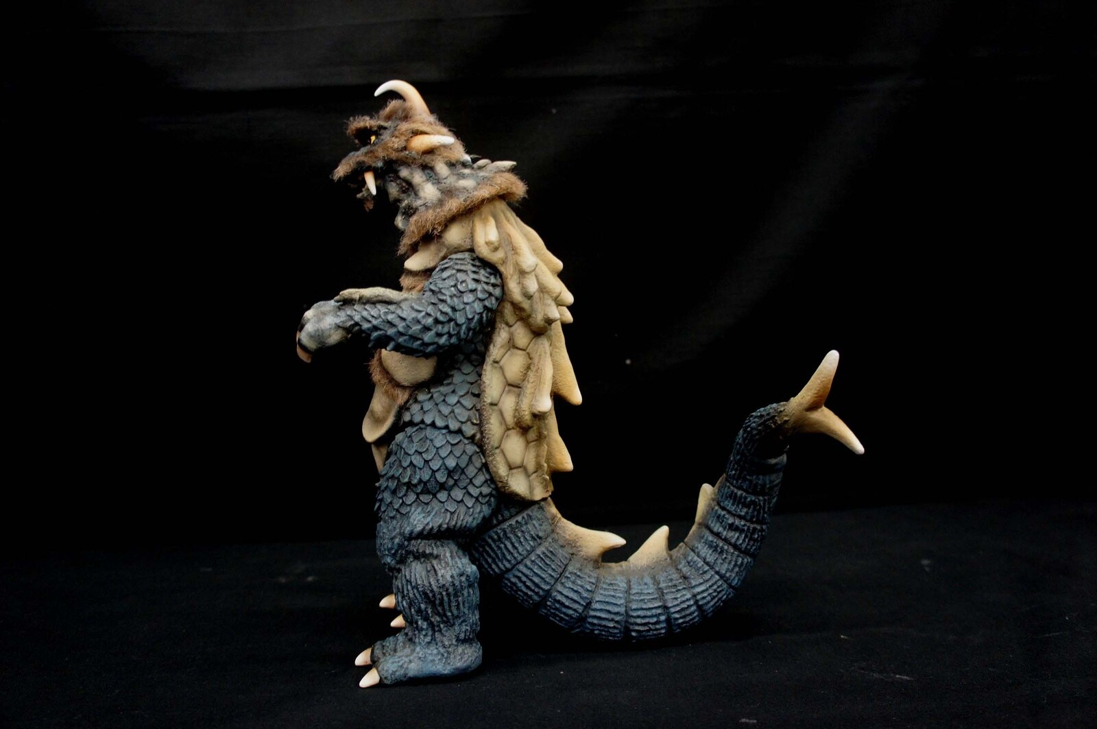 Ultra Q : Ancient Monster Gomess Art Statue 古代怪獣 ゴメス https://www.solidart.club/