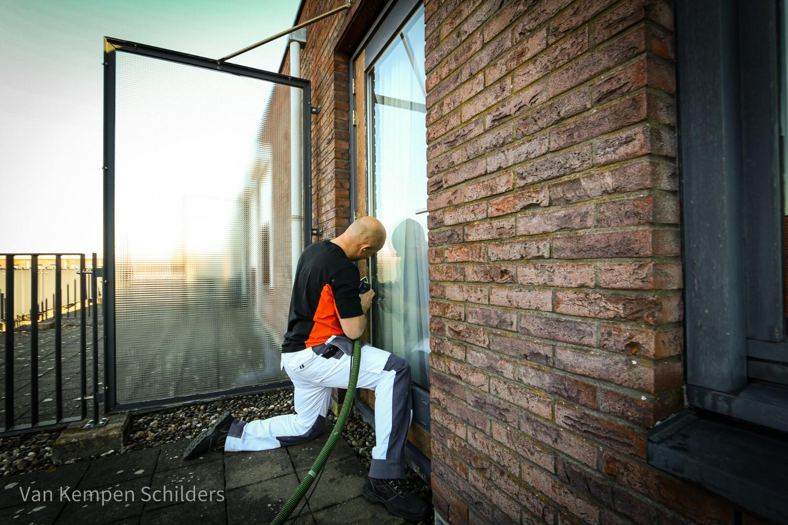 De schilder in Den Haag voor al uw schilderwerken! Woon je in Den Haag en zoek je een schildersbedrijf waar de klanten tevreden mee zijn? Nodig dan de schilder in Den Haag uit voor een gesprek!  https://schildersdenhaag.home.blog/
