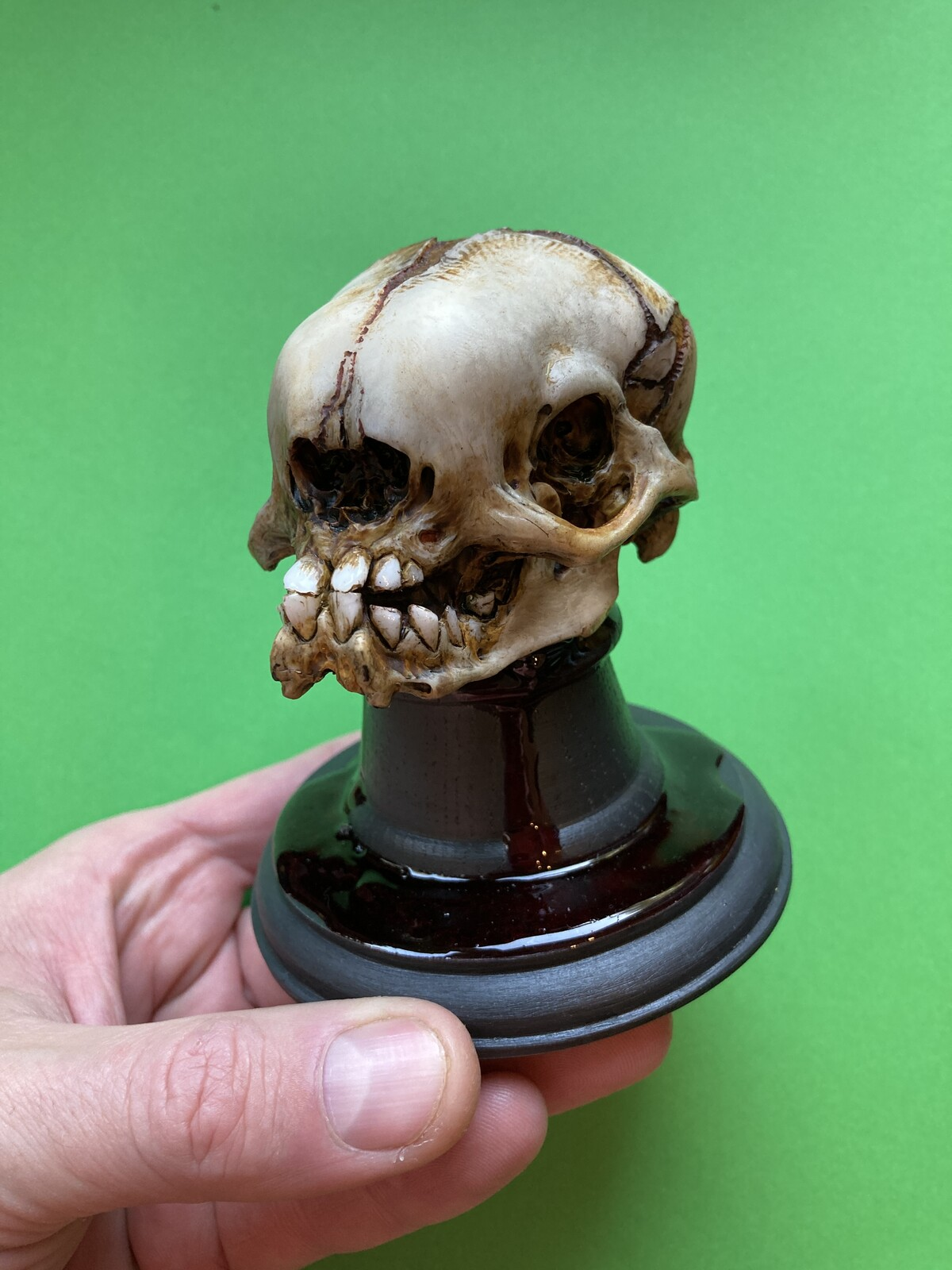 Alien skull hand-painted version.
