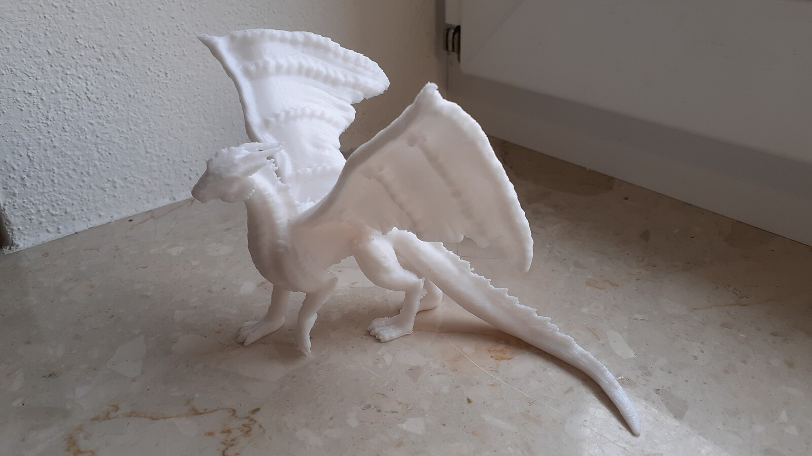 Silver Dragon by M3DM https://www.thingiverse.com/thing:4086899