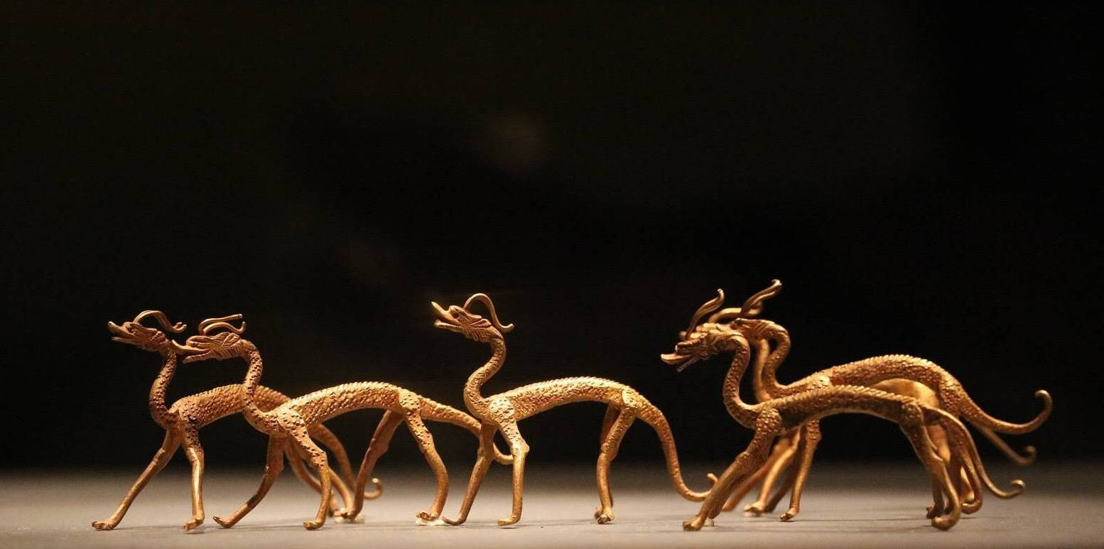 Inspiration of  Gold dragons ,TANG dynasty.