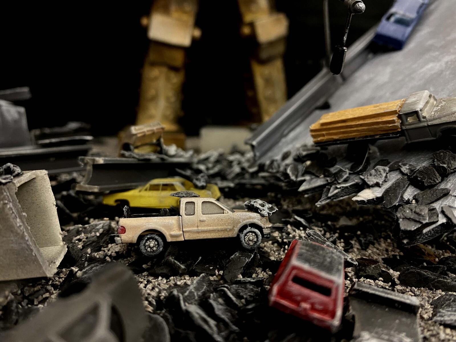 """「クレージーゴン/高速道路崩壊」完成品 """"CrazyGon / Highway Collapse"""" Art Statue https://www.solidart.club/"""