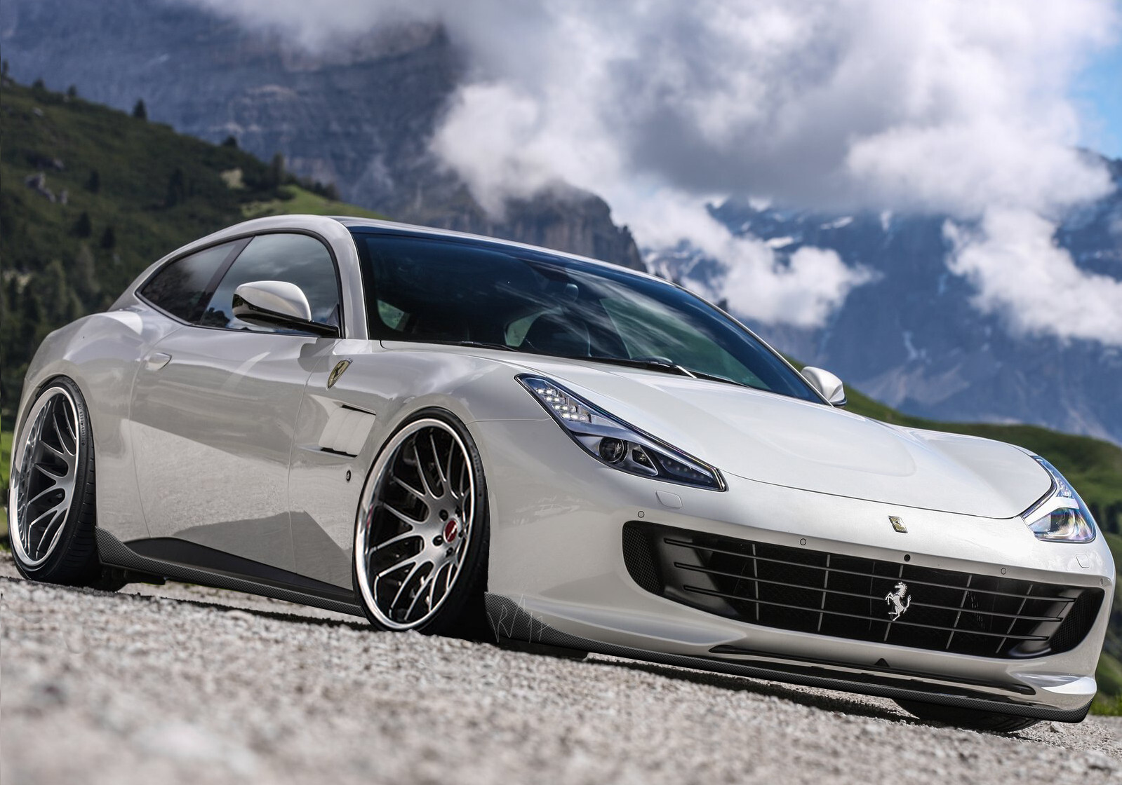 A Ferrari Lusso with lowered suspension, some deeper wheels and simple carbon fiber extensions. Commission work that ended up not being implemented in real life as the owner wanted something more extreme.