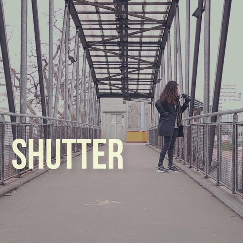 Shutter (actress + sound)
