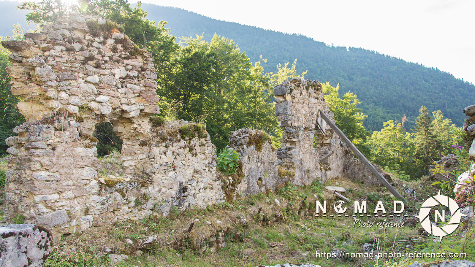 Photo reference pack village ruins 8