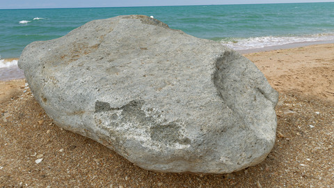 Stone by the sea 2